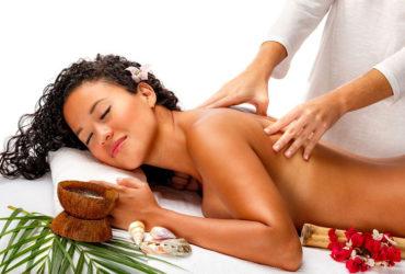 Séance de massage nu avec le massage naturiste