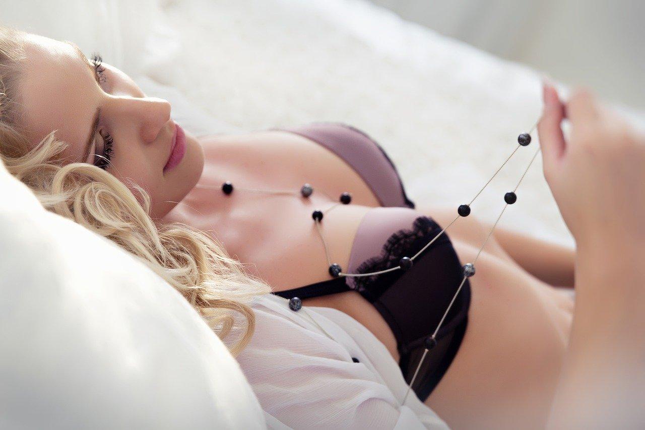 Un massage intime pour le bien de votre couple