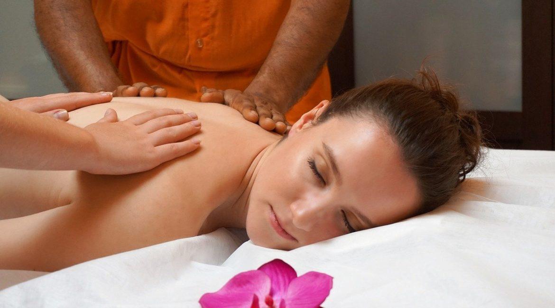 Un massage 4 mains pour un lâcher-prise total